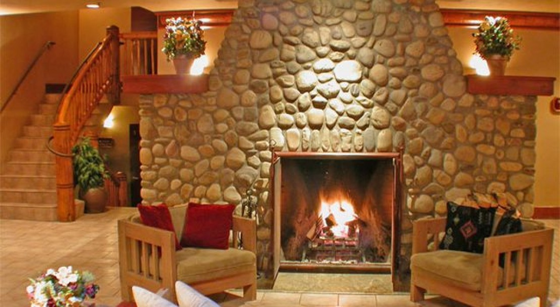 Cosy Fireplace in Banff Caribou Lodge and Spa