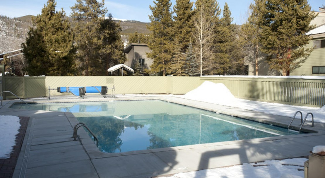 Pool  at Forest Condominiums - West Keystone