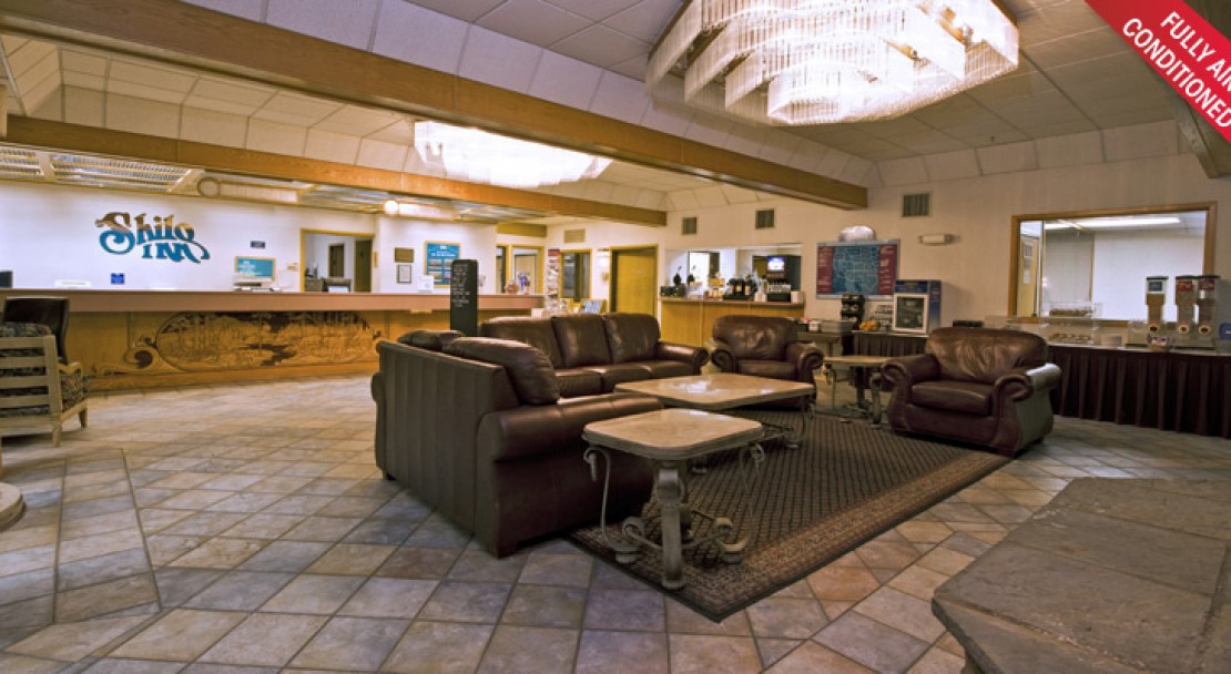 Lobby at Shilo Inn Suites - Mammoth Lakes