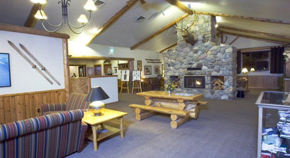 Lobby at Buck's T-4 Lodge at Big Sky