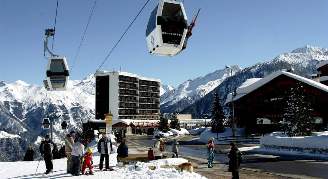 Ski Lift, Ski Slopes, Apartments-Les Ecrins-Courchevel-France