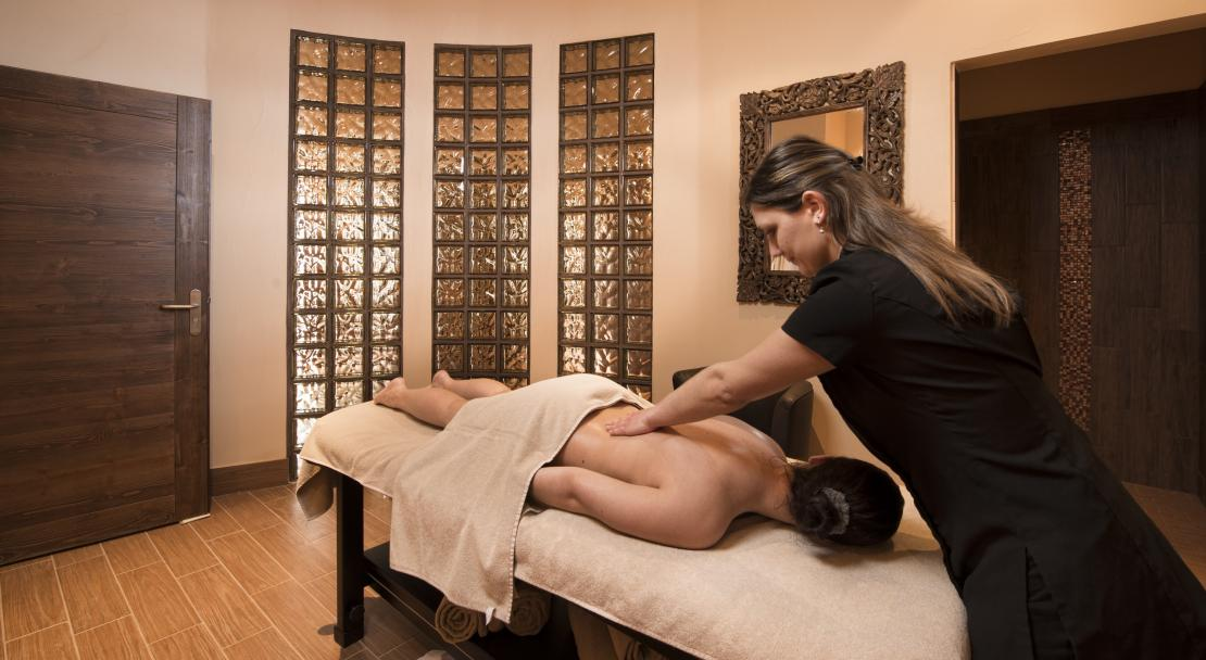 Massage treatments in Le Hameau du Kashmir Val Thorens