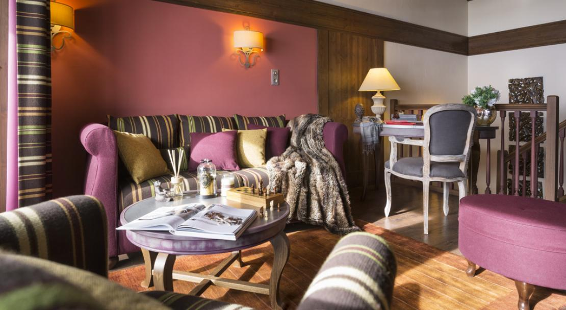 Apartment Lounge in Le Hameau du Kashmir Val Thorens