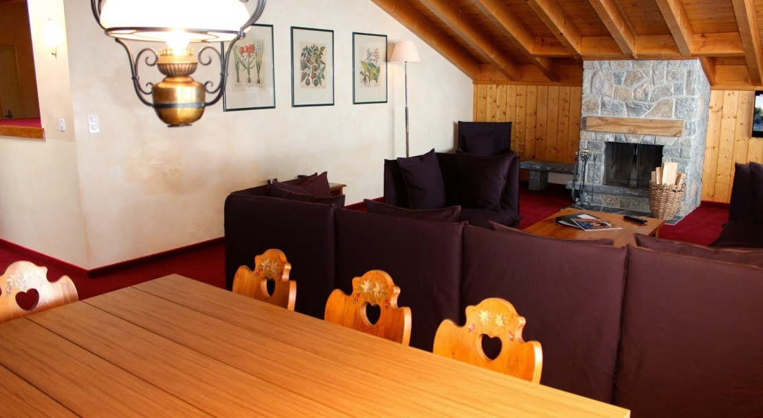 Hotel Montpelier Verbier Penthouse Dining Table