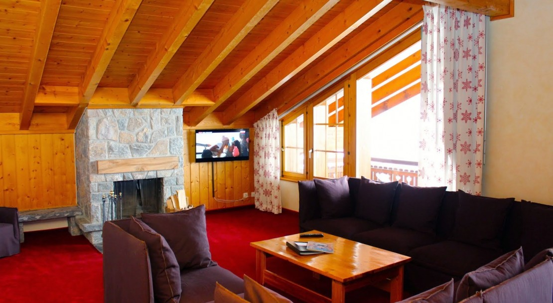 Hotel Montpelier Verbier Penthouse Lounge and Fireplace