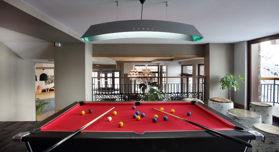 La Source des Arcs - Pool Table