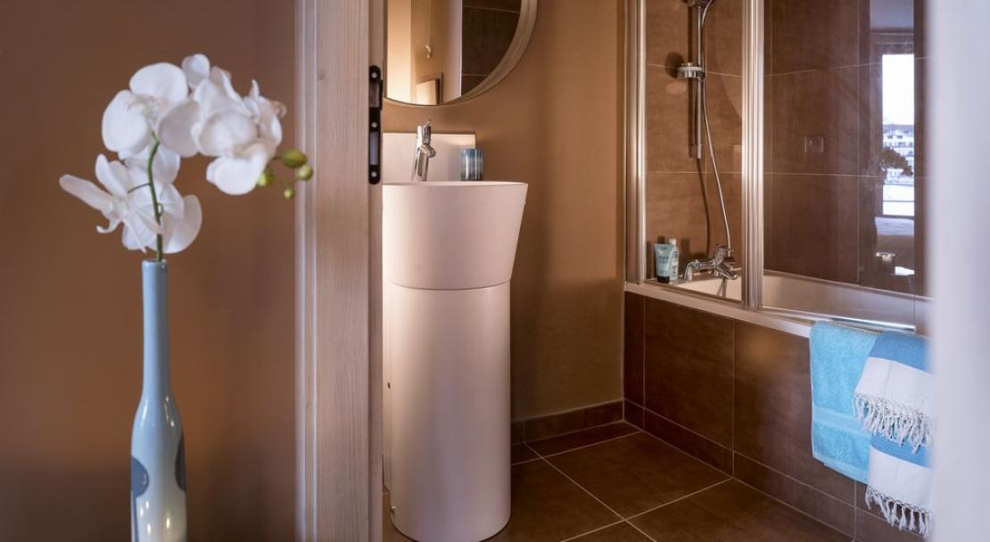 Apartment Le Taos - Bathroom; Copyright: Credit Studio Bergoend