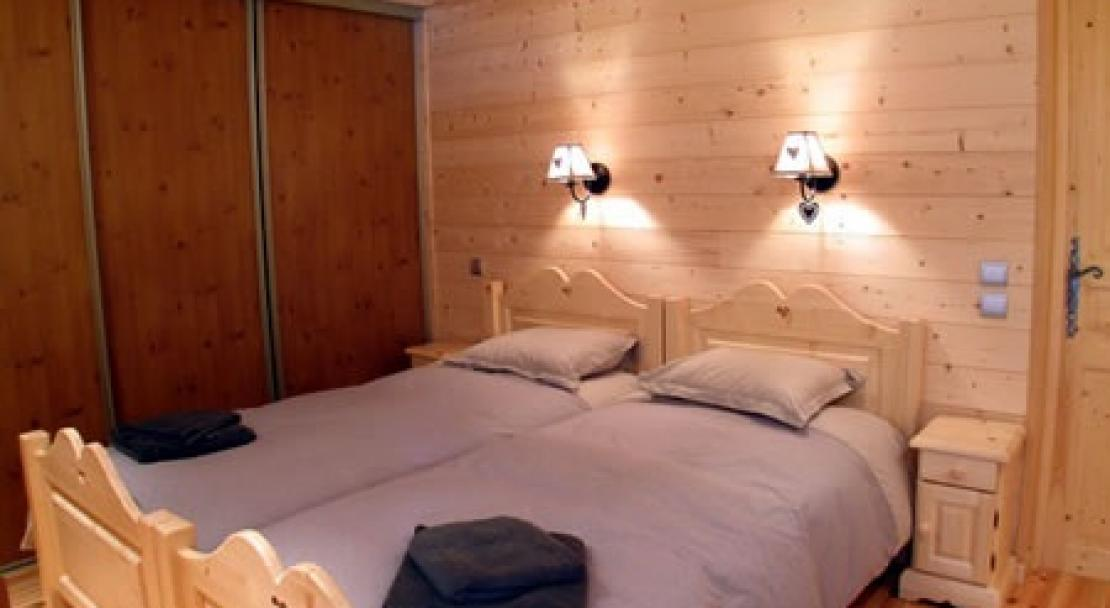 Twin room at Hotel Christiania Les Gets
