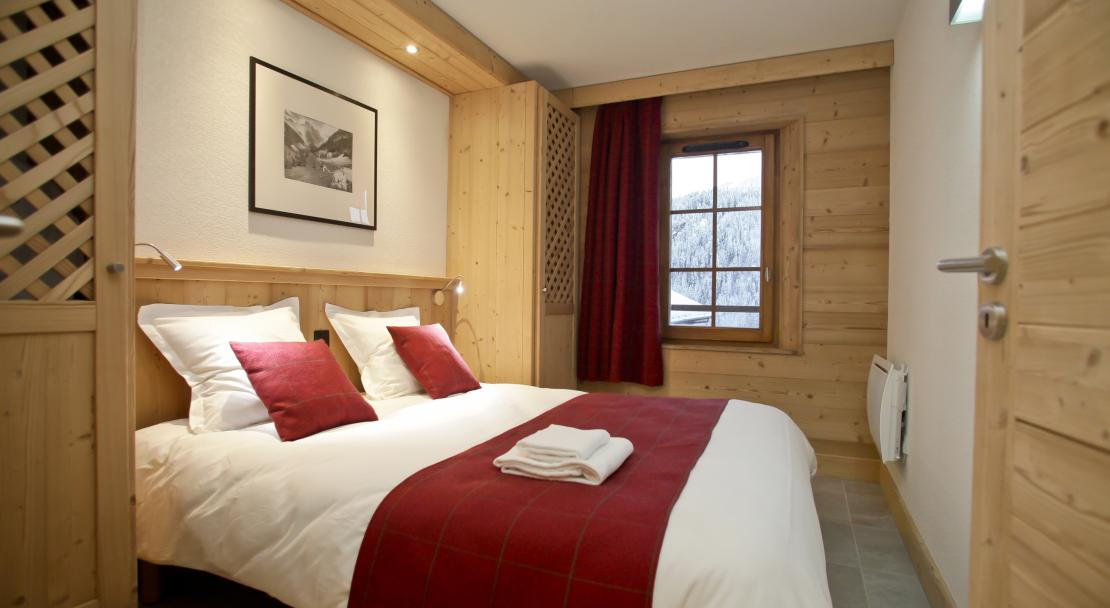 Bedroom at Les Fermes de Chatel Odalys; Copyright: Odalys