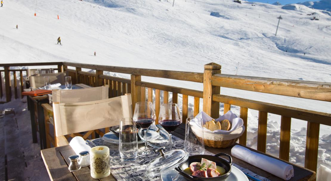 Terrace Lunch Chalet Hotel Kaya Les Menuires