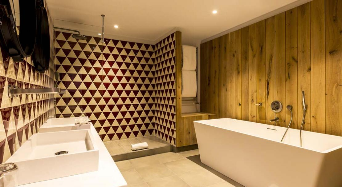 Deluxe Suite Bathroom - Le Yule - Val d'Isere