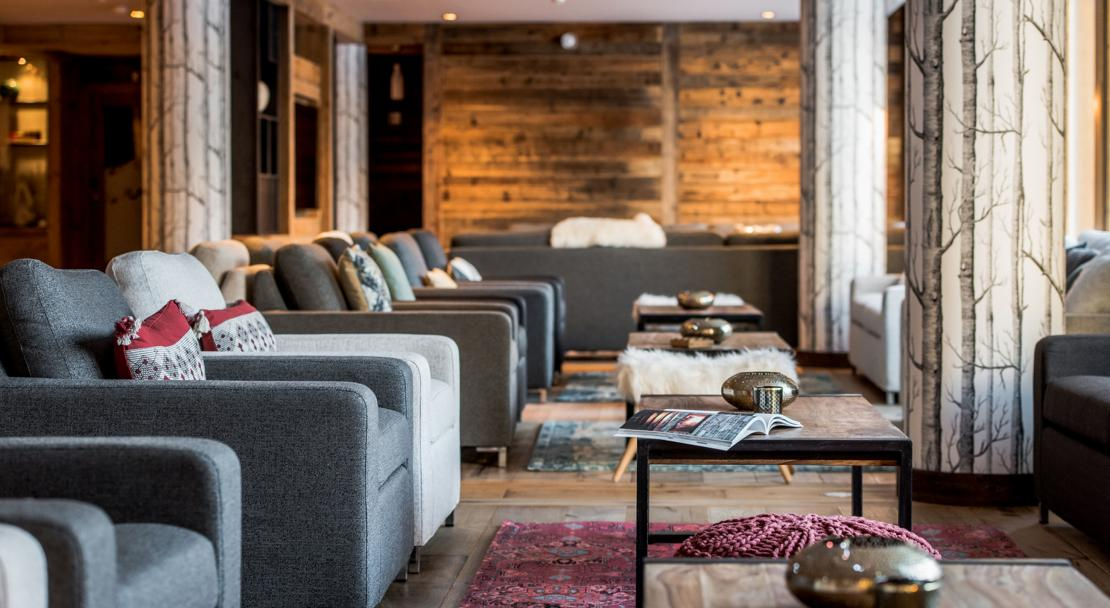 Lounge at Chalet Skadi; Copyright: Laurie Verdier
