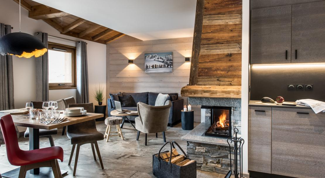 Lounge with Fireplace Chalet Skadi; Copyright: Village Montana