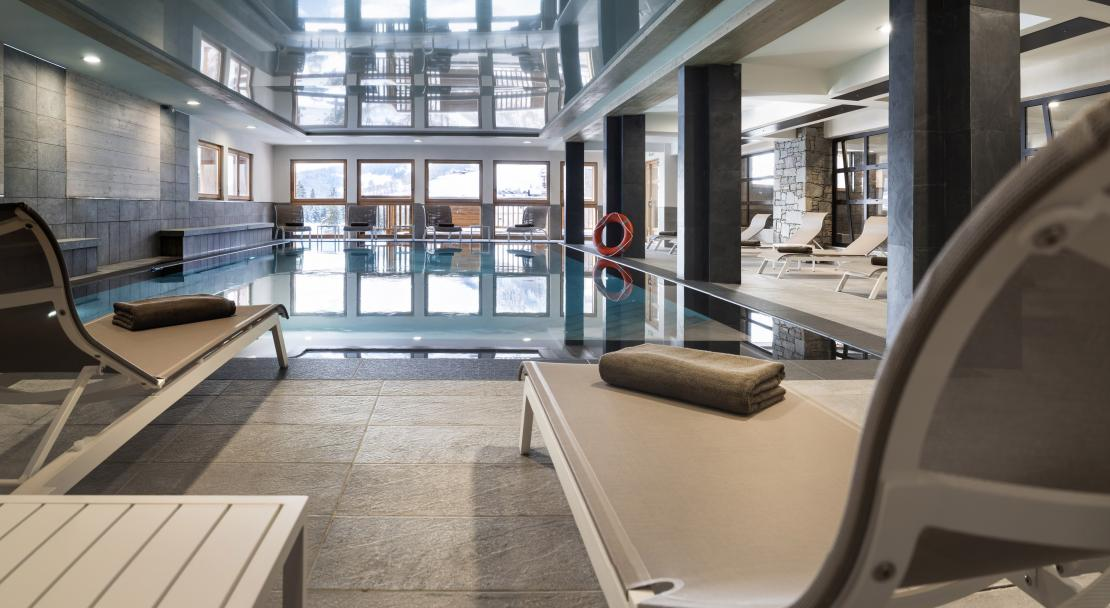 Swimming pool at MGM Le Roc des Tours; Copyright: Studio Bergoend