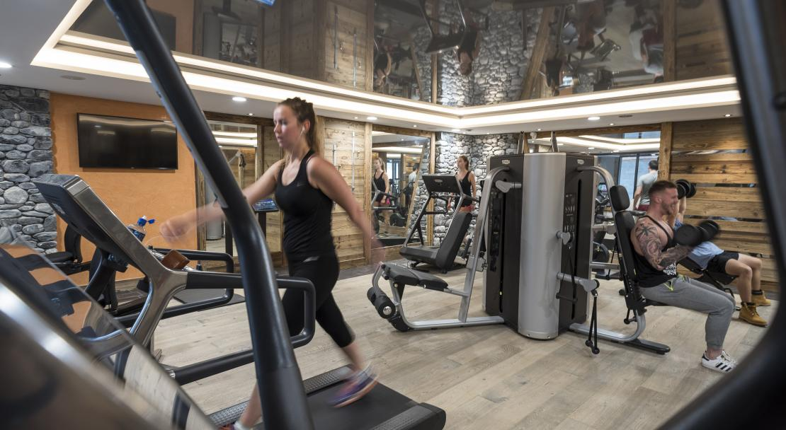 Gym at MGM Cristal de Jade; Copyright: Studio Bergoend