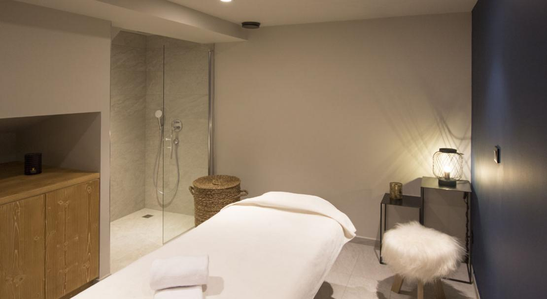 Massage spa treatment room Hotel L'Avancher Val d'Isere