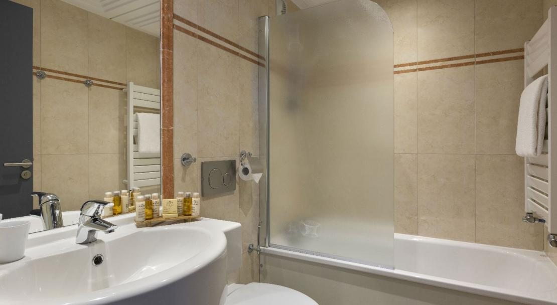 Bathroom; Copyright: Hotel Araucaria
