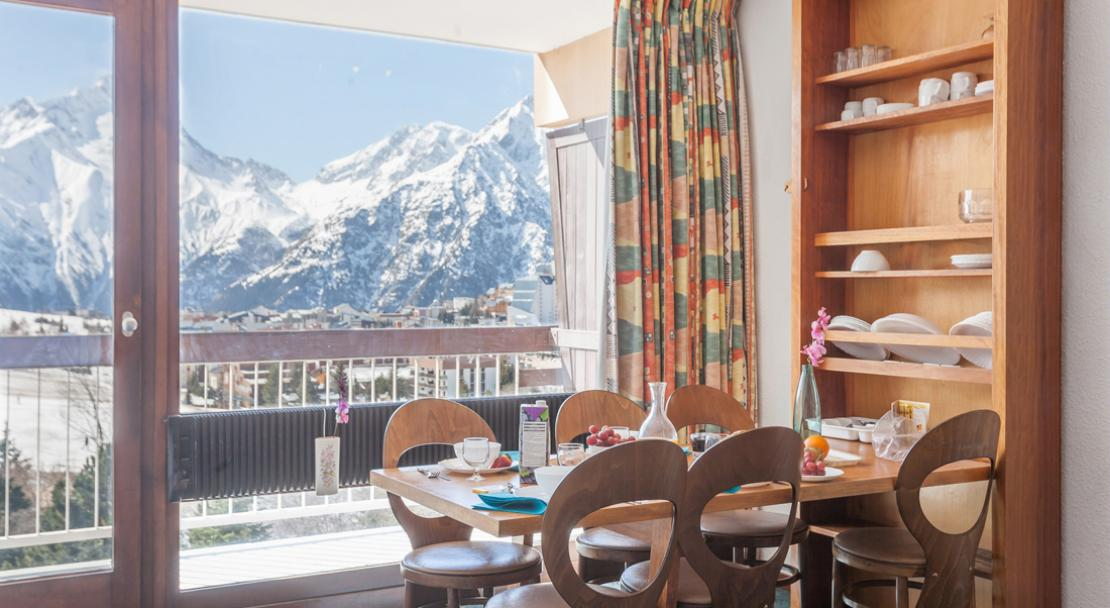 Dining area with a view of the Mountains - Les 2 Alpes - Les Deux Alpes