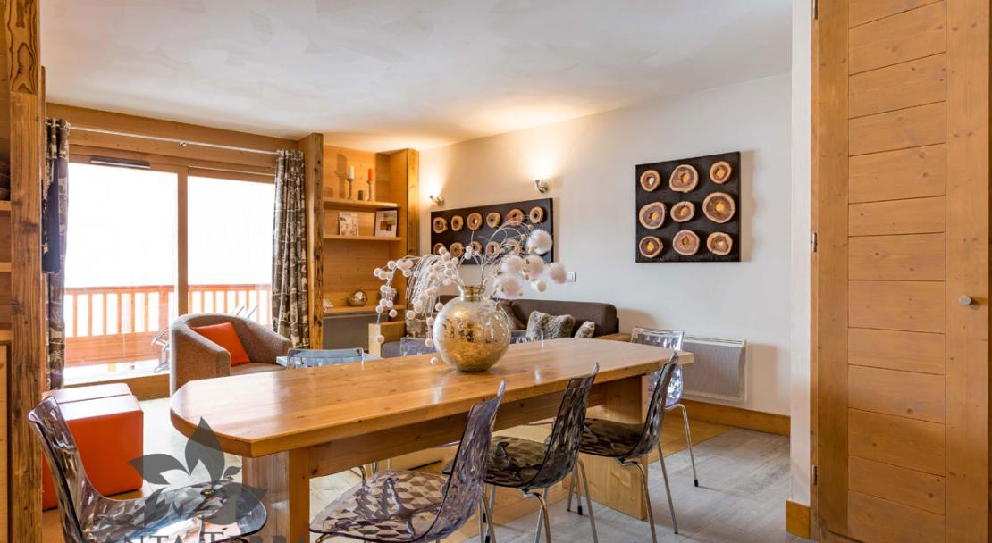 Dining room kitchen open plan living room Residence Santa Terra Tignes Les Brevieres