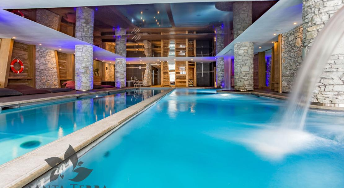 Swimming pool fountain lane counter-current Residence Santa Terra Tignes