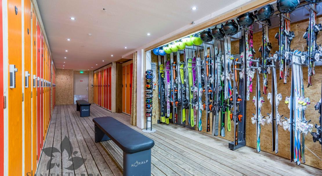Skiset ski room hire rental skis snowboards boots Residence Santa Terra Les Brevieres