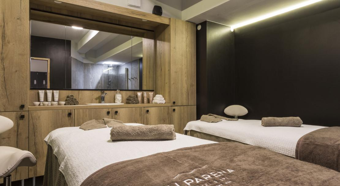 Hotel Alparena treatment room