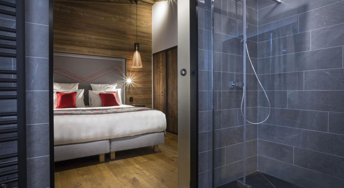 Alparena Prestige Suite shower; Copyright: Les Balcons