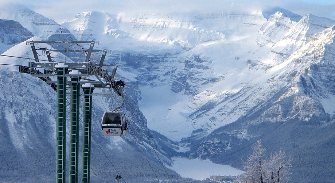 Catch the first lift up to Lake Louise; Copyright: Lake Louise Ski Area Mates.  Photo courtesy of the Lake Louise Ski Area