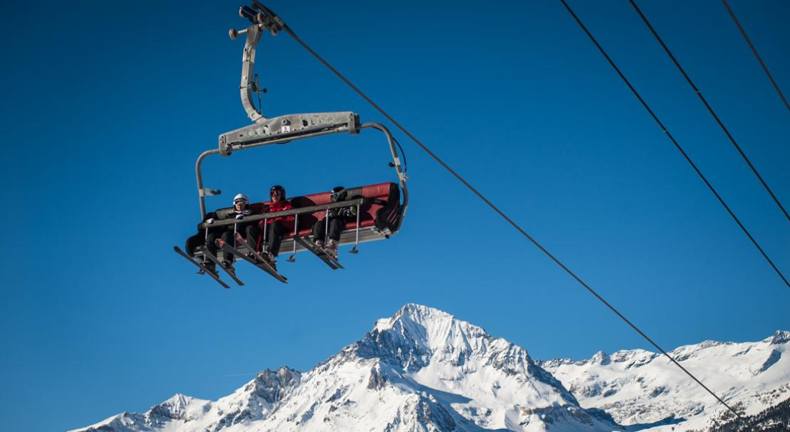 Chairlift in Val Cenis; Copyright: Alban Pernet