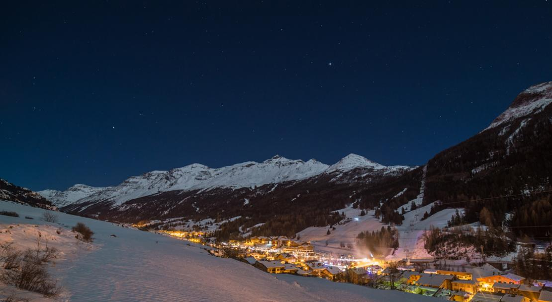 Night in Val Cenis; Copyright: Alban Pernet