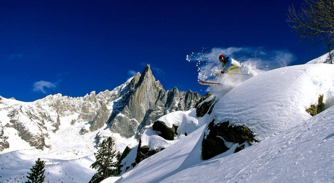 Off-piste skiing in Chamonix; Copyright: Jean-Charles Poirot