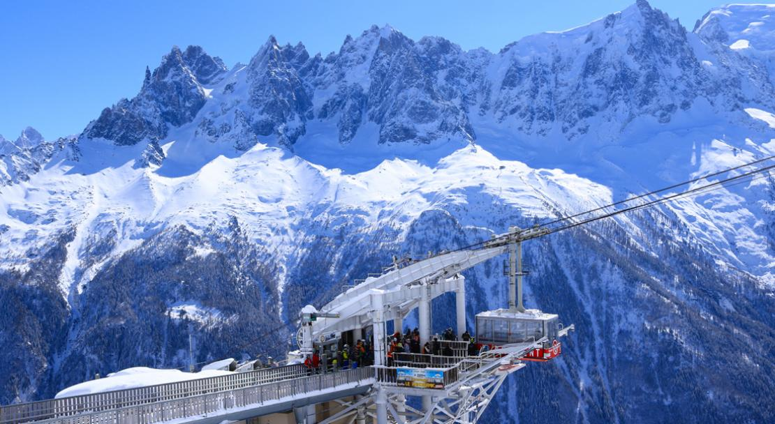 Ski Lift in Chamonix; Copyright: Tim Hughes