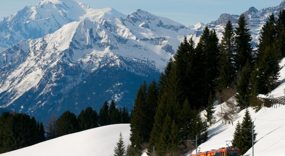 Mountain train in Villars