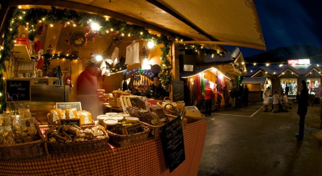 Night market in Villars