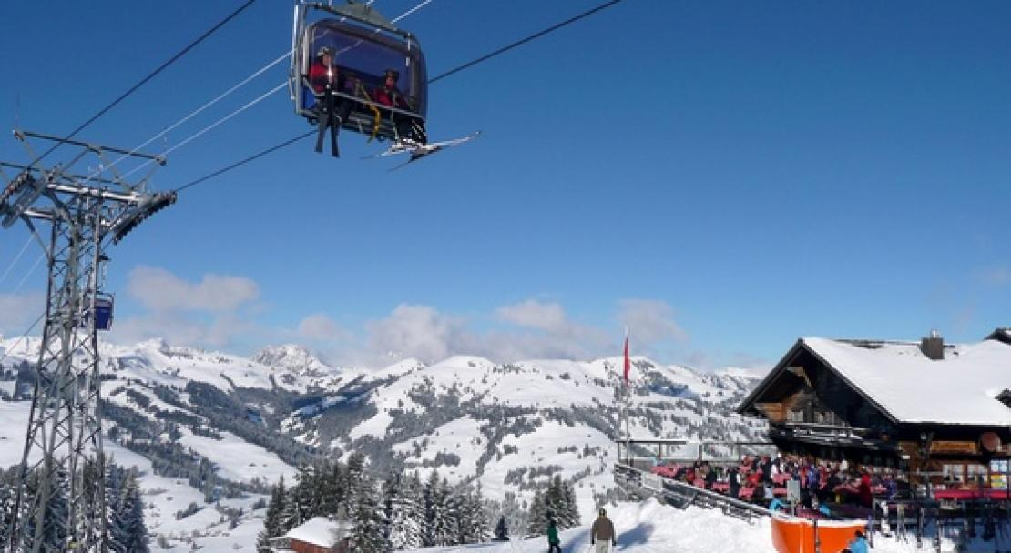 Enjoy fantastic restaurants on Gstaad's ski slopes