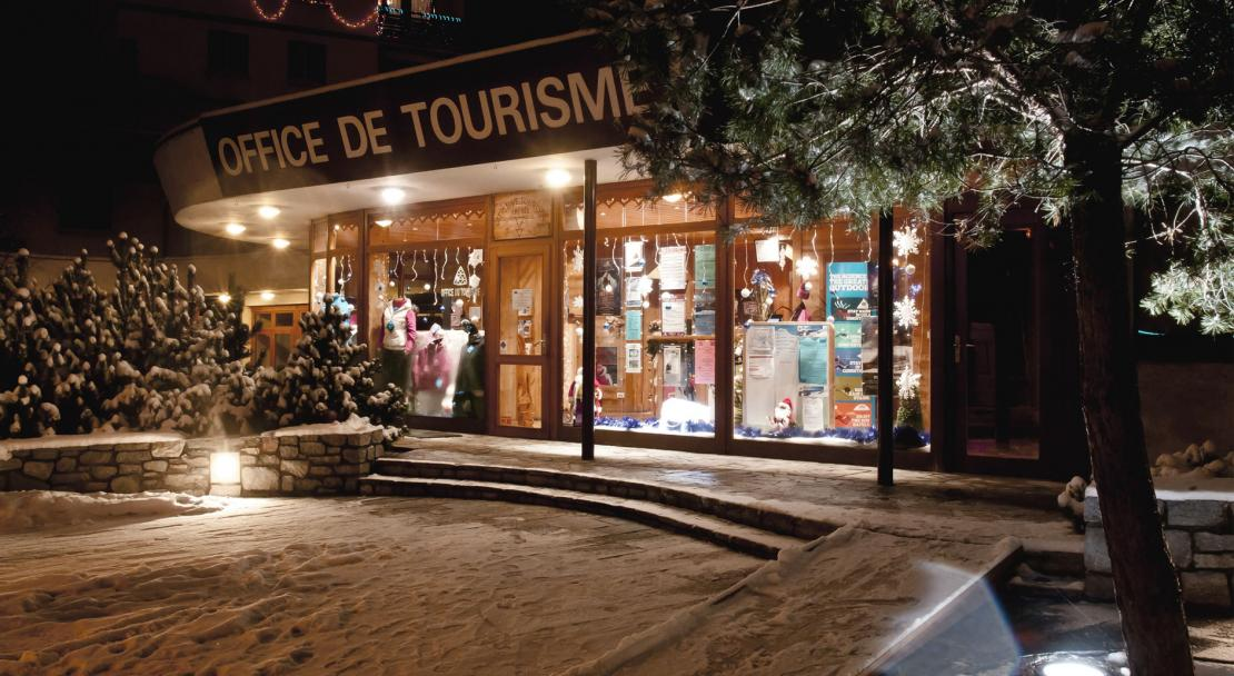 Bourg St Maurice at night
