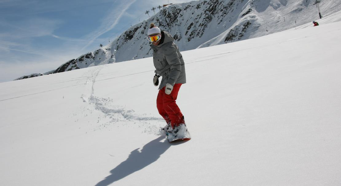 Snowboarding in La Toussuire, France