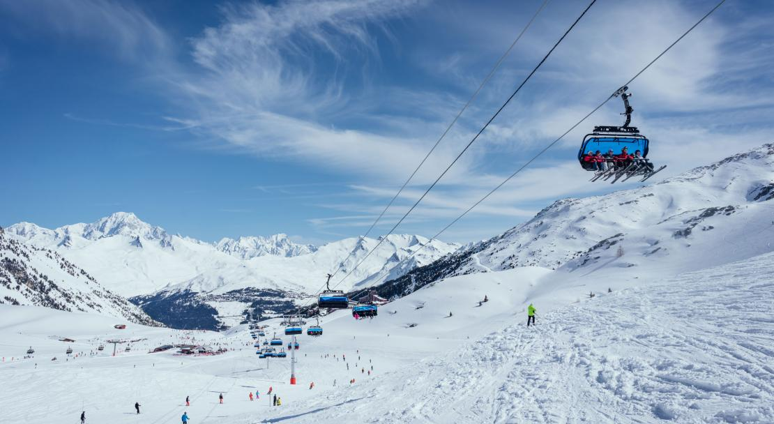 Les Arcs chairlift; Copyright: Aigal studio