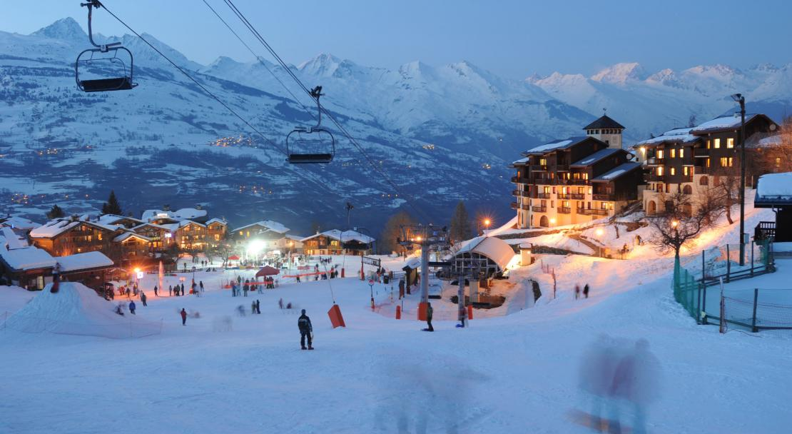 Les Coches Montchavin Ski Resort Accommodation PowderBeds