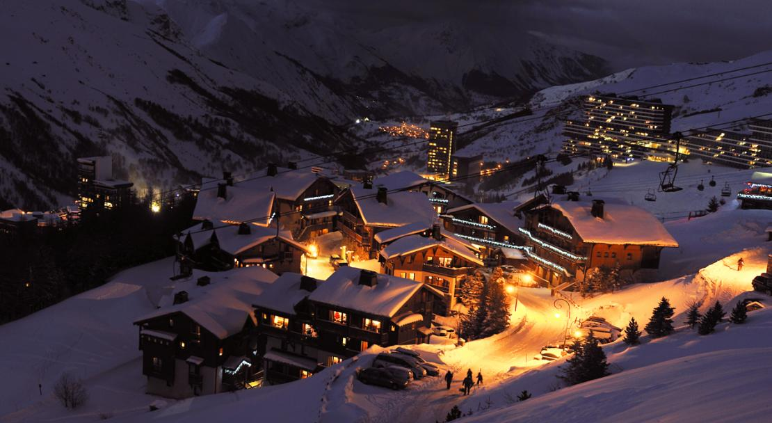 Night time in Les Menuires; Copyright: Philippe Royer