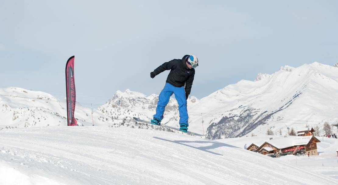 Snowboarding in Serre Chevalier, France