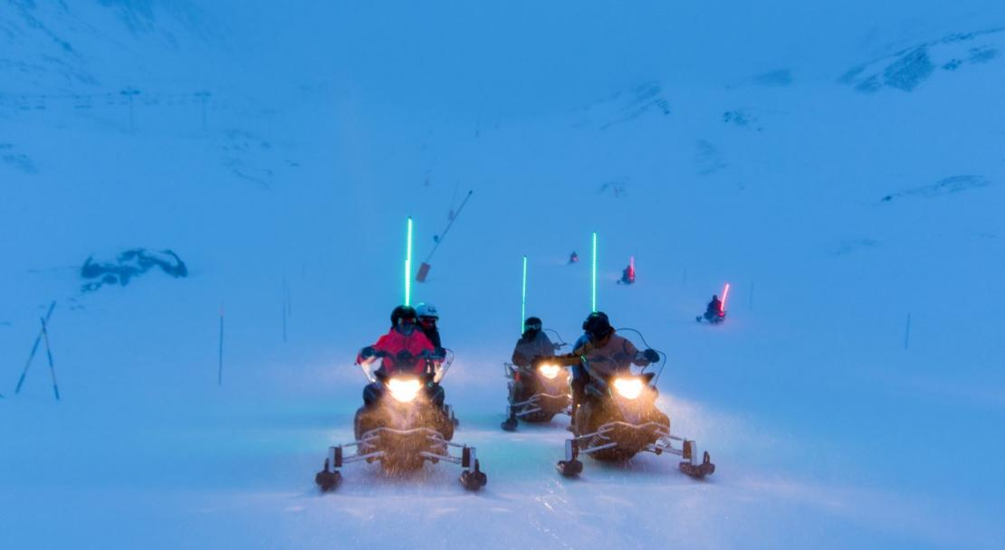 snow mobiling Val Thorens; Copyright: T. Loubere OT Val Thorens
