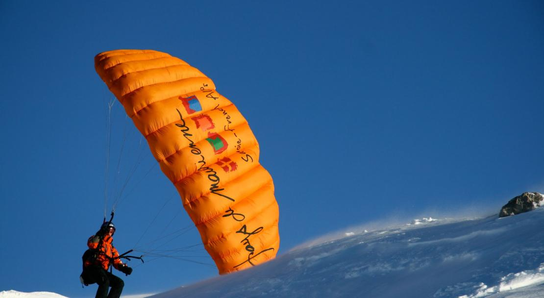 Paragliding in Valfrejus