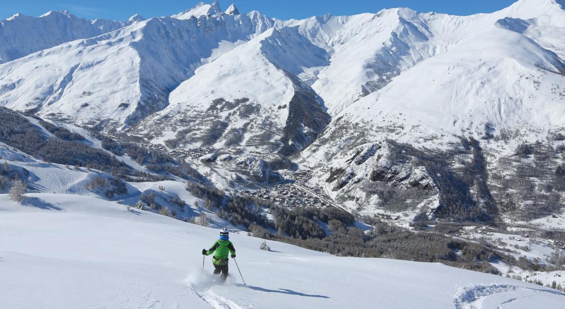 Off piste in Valloire; Copyright: P Delannoy, OT Valloire