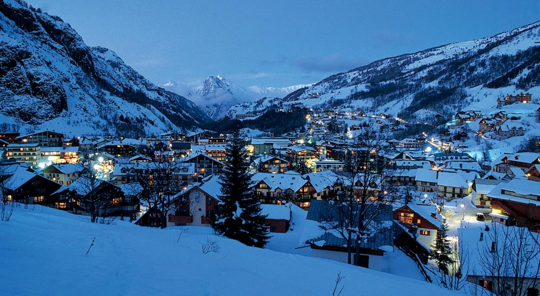 Valloire at night