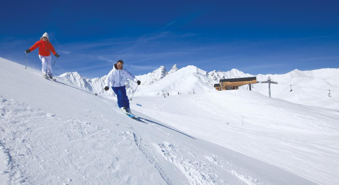 Skiing in Valloire
