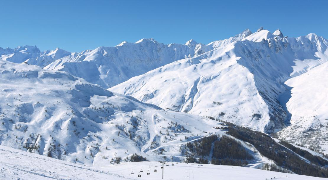 The extensive ski area in Valloire