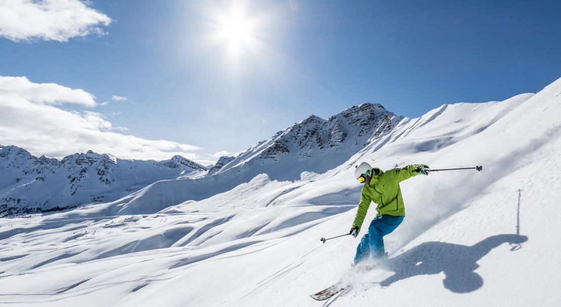 Skiing in Vars; Copyright: Remi Morel