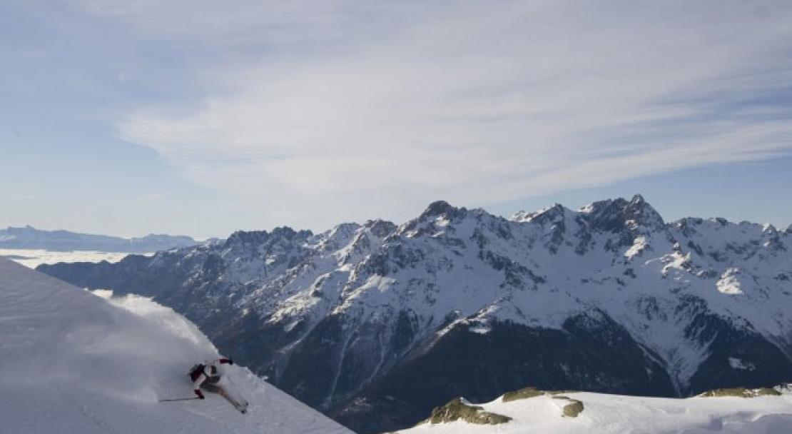 Freestyle skiing in Vaujany