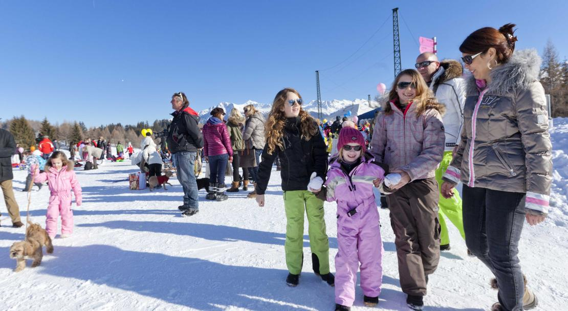 Family in Crans Montana; Copyright: Denis Emery